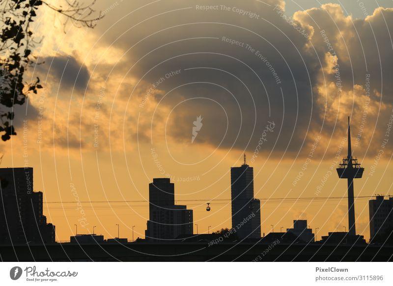 Köln am Abend Lifestyle Ferien & Urlaub & Reisen Tourismus Städtereise Häusliches Leben Stadt Hafen Turm Bauwerk Gebäude Architektur schön gelb Gefühle Stimmung