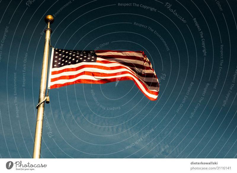 Flagge Fahne Macht Hochmut Stolz Kultur Amerika Amerikanische Flagge Grundbesitz Patriotismus Farbfoto Menschenleer Tag