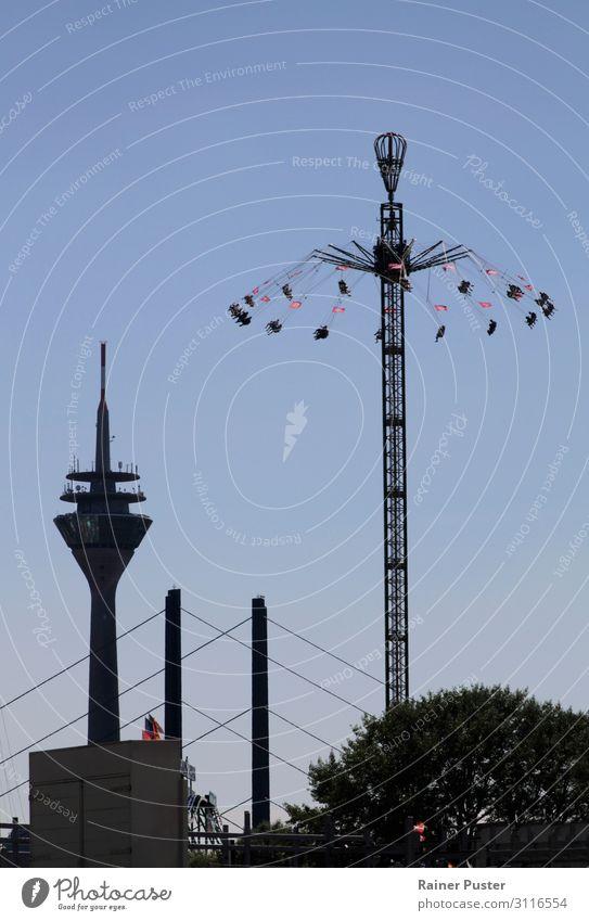 Düsseldorf Skyline Feste & Feiern Jahrmarkt rheinkirmes Himmel Stadtzentrum Altstadt Wahrzeichen blau schwarz Freizeit & Hobby Freude Farbfoto Außenaufnahme