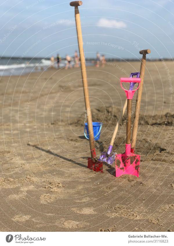 Strandfreude Freude Freizeit & Hobby Spielen Ferien & Urlaub & Reisen Sommerurlaub Meer Kind Schaufel Sand Schönes Wetter Spielzeug Arbeit & Erwerbstätigkeit