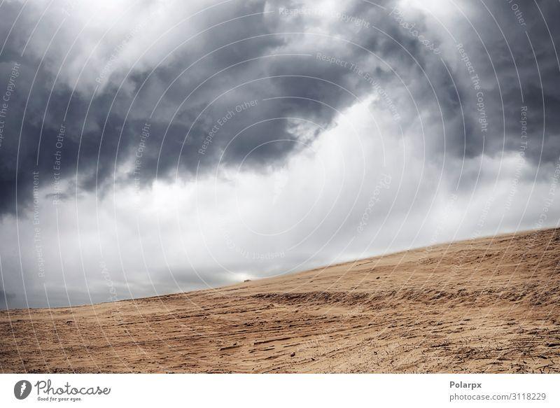 Sandsturm in einer trockenen Wüste unter bewölktem Himmel schön Ferien & Urlaub & Reisen Strand Umwelt Natur Landschaft Wolken Horizont Klima Wetter Unwetter