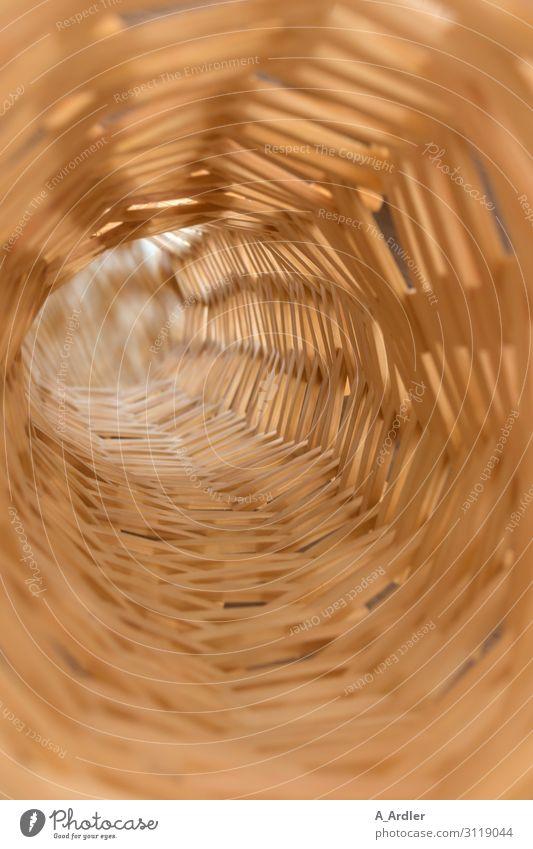 Turm aus Holzbausteinen ruhig Freude Ferne Kunst Spielen braun Zufriedenheit ästhetisch Beginn groß Energie einzigartig entdecken planen