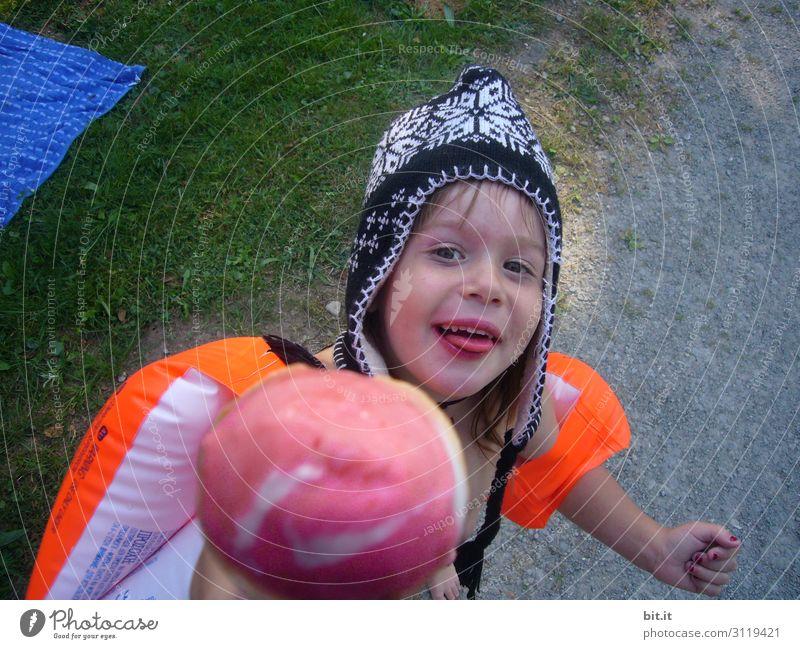 wertvoll I ein großes, kaltes eis und warme ohren Ernährung Spielen Ferien & Urlaub & Reisen Tourismus Sommer Sommerurlaub Strand Meer Mensch feminin Kind