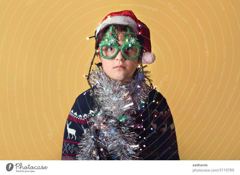 Kind mit Weihnachtsbeleuchtung Winter Lampe Feste & Feiern Weihnachten & Advent Silvester u. Neujahr Mensch maskulin Familie & Verwandtschaft Kindheit 1