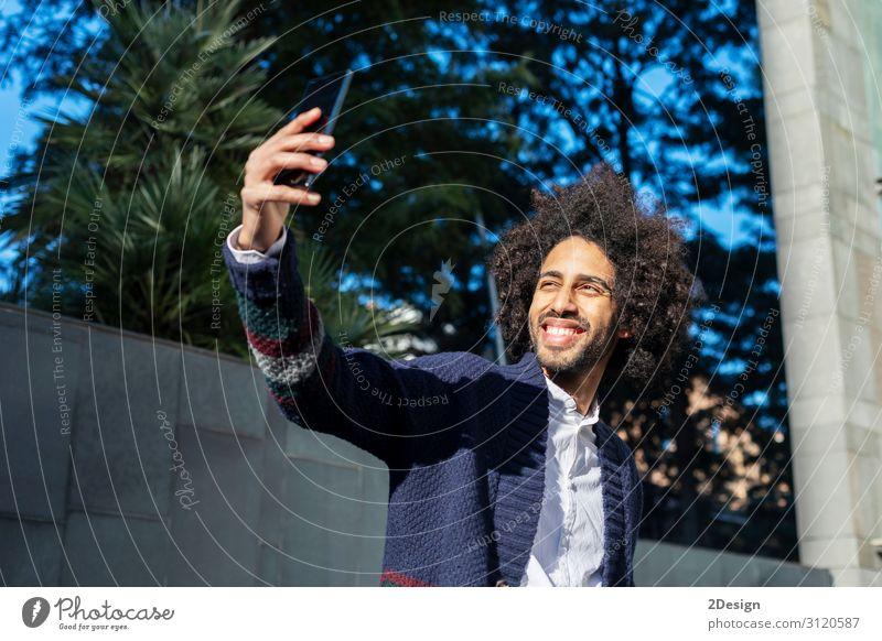 Mensch Jugendliche Mann Junger Mann weiß Freude schwarz 18-30 Jahre Gesicht Lifestyle Erwachsene Glück Mode maskulin modern Lächeln