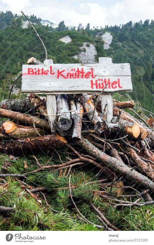 geschriebenes | Knüttel rot Holz Kunst außergewöhnlich Schriftzeichen einzigartig Hinweisschild Hilfsbereitschaft Wunsch Warnschild Brennholz