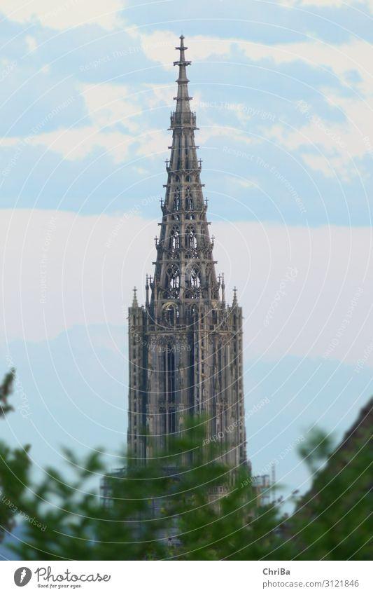 Ulmer Münster Turm Architektur Kultur Deutschland Europa Kirche Bauwerk Gebäude Sehenswürdigkeit Wahrzeichen Denkmal Religion & Glaube Kunst Vergangenheit Zeit