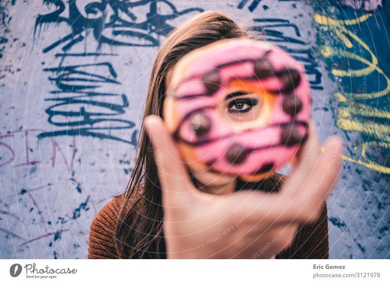 Mensch Jugendliche Junge Frau schön Foodfotografie 18-30 Jahre Lebensmittel Erwachsene Wärme feminin retro rund Dessert Leidenschaft langhaarig Appetit & Hunger