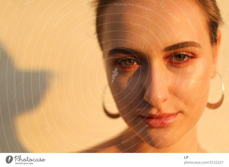 Mensch Jugendliche Junge Frau schön ruhig Gesicht Auge Lifestyle Leben natürlich feminin Gefühle Stil Mode Haare & Frisuren Stimmung