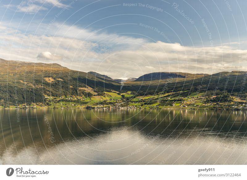 Norwegens Landschaft Ferien & Urlaub & Reisen Ausflug Abenteuer Ferne Freiheit Expedition Haus Natur Wasser Himmel Wolken Horizont Sonnenlicht Schönes Wetter