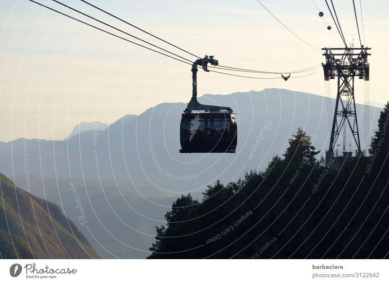 In der Gondel l abgehoben Ferien & Urlaub & Reisen Ausflug Landschaft Urelemente Himmel Sonnenlicht Wald Alpen Berge u. Gebirge Dolomiten Italien Südtirol