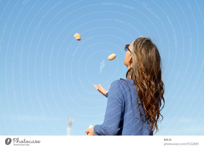 Fingerspitzengefühl l jonglieren mit Steinen Freizeit & Hobby Spielen Ferien & Urlaub & Reisen Tourismus Abenteuer Ferne Freiheit Sommer Sommerurlaub Strand