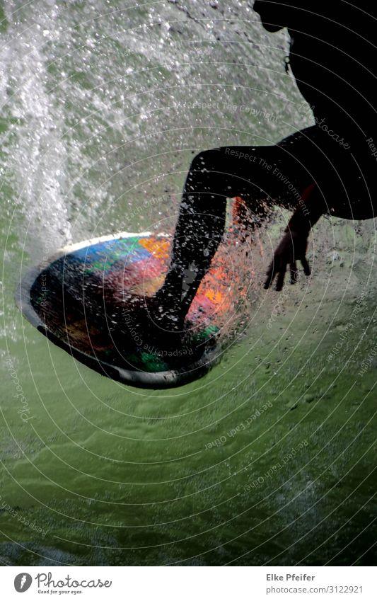 Surfer Lifestyle Freude sportlich Freizeit & Hobby Freiheit Wellen Sport Wassersport Sportler Surfen außergewöhnlich trendy nass Eisbach München