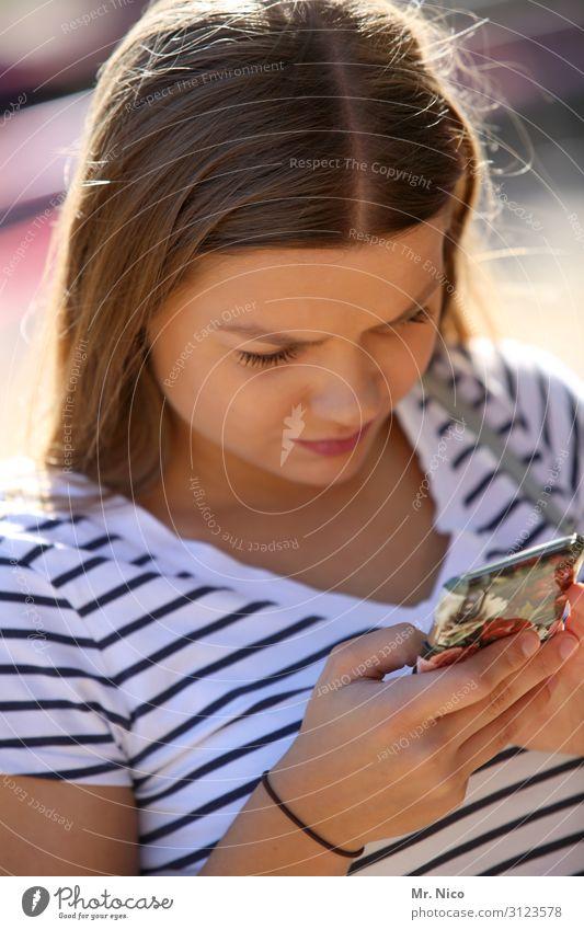 Mist, kein Guthaben mehr ! Lifestyle Freizeit & Hobby Handy feminin Junge Frau Jugendliche Finger 1 Mensch 18-30 Jahre Erwachsene Kommunizieren schön SMS