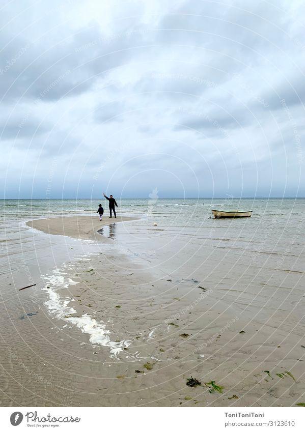 Tag am Meer Ferien & Urlaub & Reisen Ausflug Strand 2 Mensch 3-8 Jahre Kind Kindheit 30-45 Jahre Erwachsene Wasser Küste Bucht Ostsee Abenteuer Erholung erleben