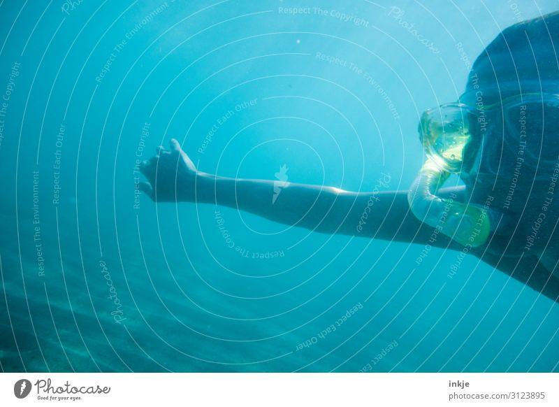 Schnorcheln Lifestyle Freizeit & Hobby Ferien & Urlaub & Reisen Sommer Sommerurlaub Meer tauchen Taucherbrille Tauchgerät Frau Erwachsene Leben Gesicht Arme 1