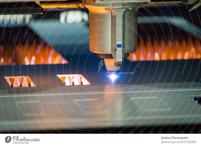 Metall Technik & Technologie Computer gefährlich Energie Sicherheit heiß Fabrik Stahl Maschine Produktion industriell Präzision Roboter Genauigkeit Laser