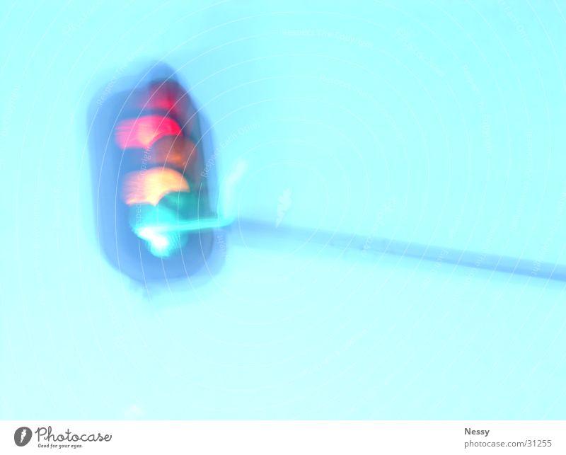 rotgelbgruen.jpg Himmel grün rot gelb Verkehr Autofahren Ampel