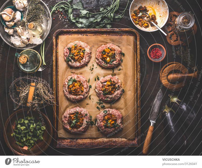 Hackfleisch Pastetchen gefüllt mit geröstetem Gemüse Lebensmittel Fleisch Ernährung Bioprodukte Geschirr Design Häusliches Leben Tisch Bagel Fleischgerichte