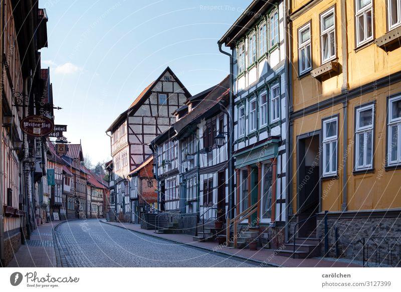 Stolberg Dorf Kleinstadt Altstadt Menschenleer historisch Harz Deutschland Fachwerkhaus Fachwerkfassade Idylle Dorfstraße Altbau friedlich Stadtzentrum Farbfoto