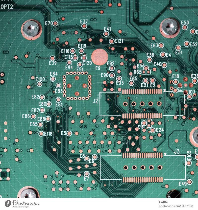 Schöne neue Welt Technik & Technologie Fortschritt Zukunft High-Tech Internet Platine Platinenlayout Verbindung Kontakt Metall Kunststoff Schriftzeichen