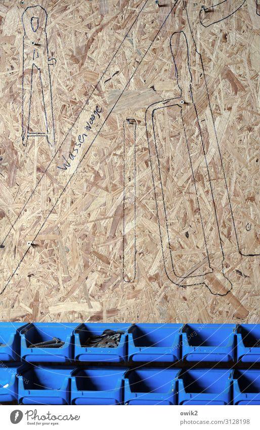 Hobbykeller Freizeit & Hobby Arbeit & Erwerbstätigkeit Handwerker Arbeitsplatz Werkzeug Säge Zange Schraube Dinge Sammlung Umrisslinie Werkstatt Wand Holzwand