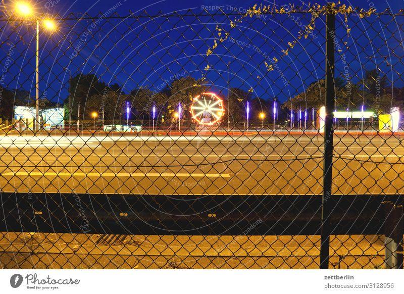 Zentraler Festplatz, Berlin PKW Autobahn Bewegung mehrfarbig Dynamik Phantasie Fantasygeschichte glänzend Garten Eile Kunst Licht Lichtspiel Lichtschreiben