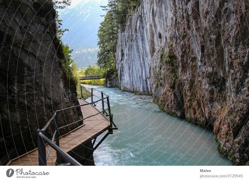 Die Geisterschlucht oder Leutascher Geisterklamm, Deutschland Abenteuer Alpen Österreich Bayern Brücke Schlucht Klippe ökologisch Umwelt Europa Fußweg