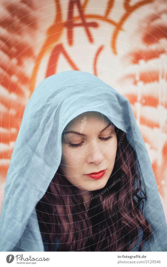 Schutzpatronin der Graffiti-Künstlerinnen exotisch Gesicht Lippenstift Mensch feminin Junge Frau Jugendliche Erwachsene 1 18-30 Jahre Kopftuch Haare & Frisuren