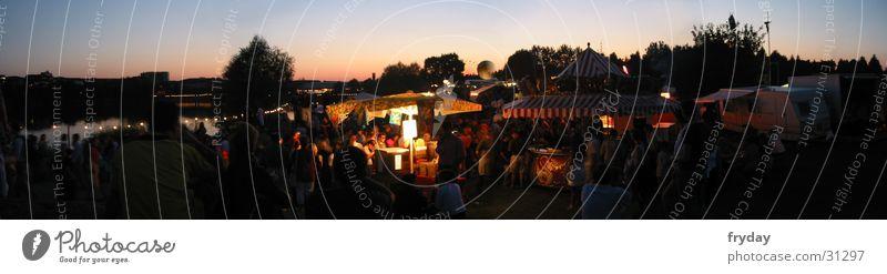 Seepark ahoi Weitwinkel Panorama (Aussicht) Baum Freiburg im Breisgau Feste & Feiern Musikfestival Mensch Sonneuntergang groß Panorama (Bildformat)