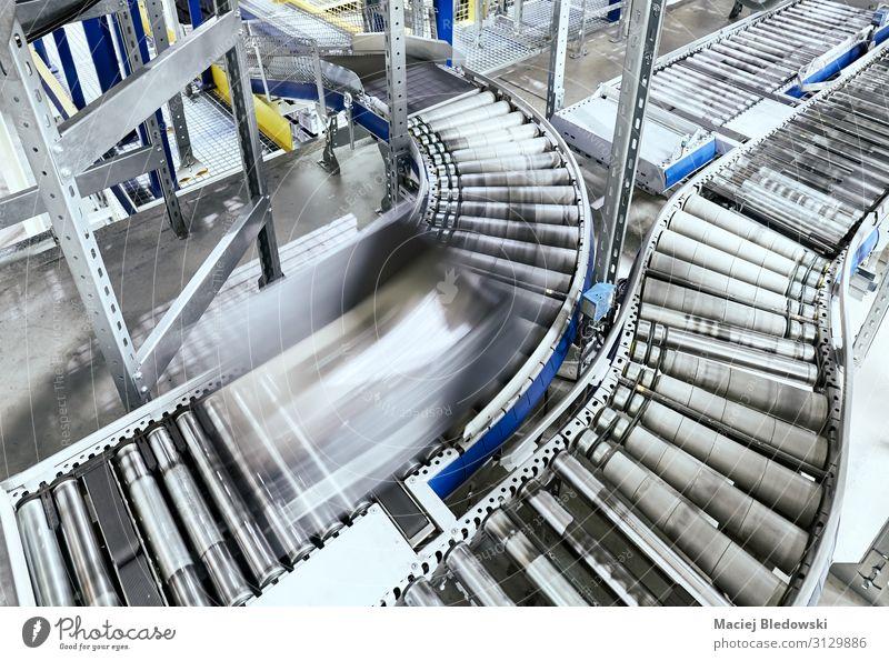 Transportlinie Förderrolle mit bewegtem Behälter Arbeitsplatz Fabrik Industrie Güterverkehr & Logistik Dienstleistungsgewerbe Business Maschine