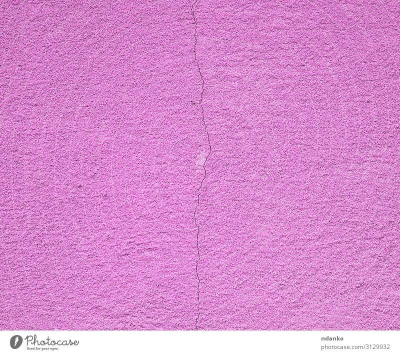 lila Zementwand mit einem Riss Design Gebäude Architektur Stein Beton alt natürlich retro rosa Farbe gerissen Hintergrund Konstruktion Grunge Material rau