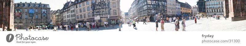 Platz in Straßburg Mensch groß Europa Panorama (Bildformat) Münster