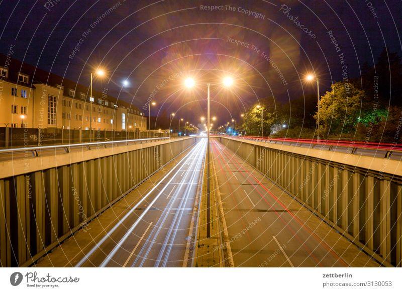 Flughafentunnel Berlin Tegel PKW Autobahn Bewegung blinkern mehrfarbig Dynamik Phantasie glänzend Eile Kunst Licht Lichtspiel Lichtmalerei Lightshow Linie Natur