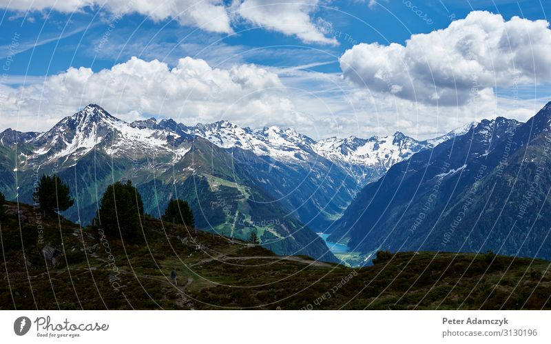 Blick auf die Berge der Zillertaler Alpenlandschaft Ferien & Urlaub & Reisen Tourismus Ferne Freiheit Sommer Sommerurlaub Berge u. Gebirge wandern Klettern