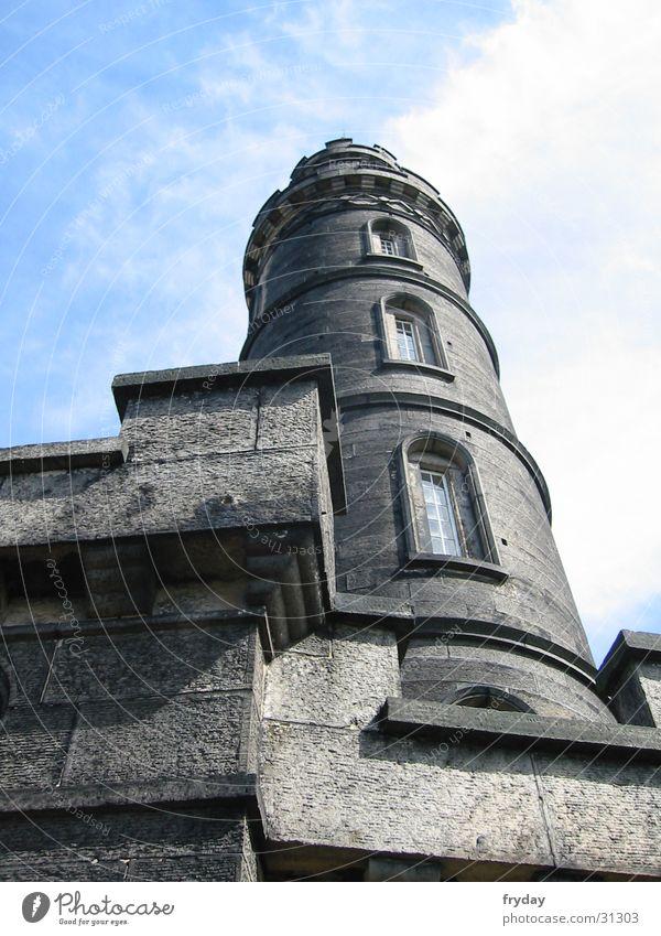 tower to heaven Schottland Edinburgh Wolken Mauer Architektur Himmel blau Turm