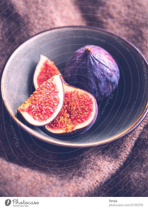 Frische Feigen in einer Schüssel, Vitage Style Lebensmittel Frucht Frühstück Bioprodukte Vegetarische Ernährung Diät Geschirr Schalen & Schüsseln Lifestyle