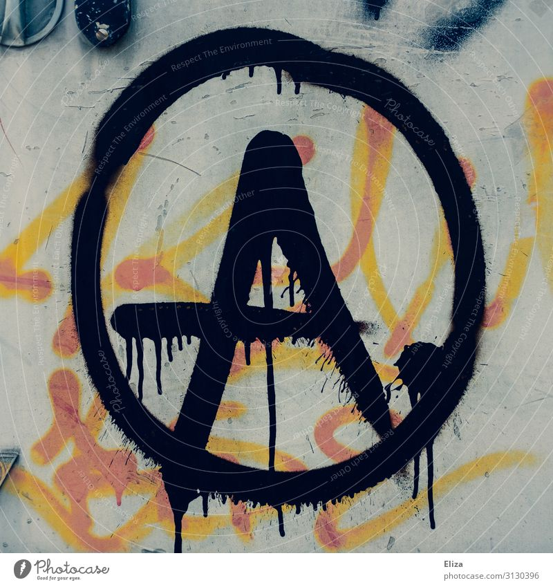 Anarchie chaotisch links Antifaschismus Politik & Staat Graffiti Schmiererei Politische Bewegungen Punk protestieren widersetzen mehrfarbig Außenaufnahme
