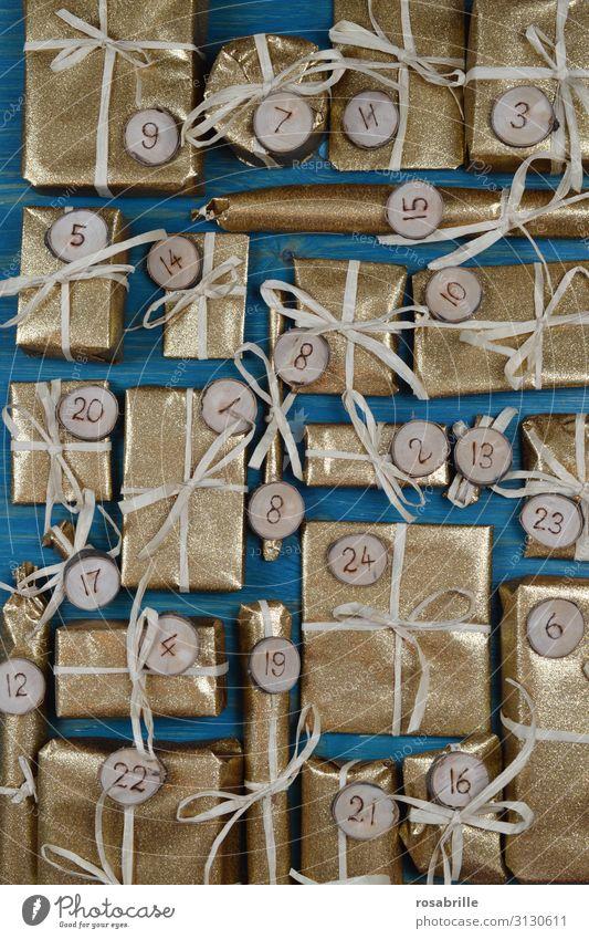 edler Adventskalender Weihnachten & Advent Freude Holz Feste & Feiern gold glänzend Kreativität Geschenk Ziffern & Zahlen Überraschung türkis Feiertag Vorfreude