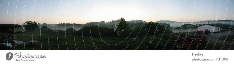 morgen-nebel Weitwinkel Panorama (Aussicht) Sonnenaufgang Nebel Raureif Gegenlicht Baum Morgen groß Panorama (Bildformat)