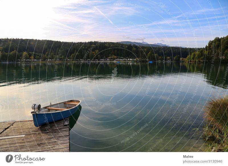 Fischerboote auf dem Walchensee alpin Alpen Bayern Wasserfahrzeug Fischereiwirtschaft Deutschland See Natur Ferien & Urlaub & Reisen Reisefotografie blau