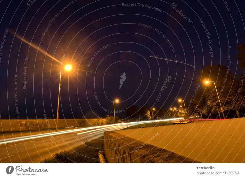 Nachtfahrt again PKW Autobahn Bewegung blinkern Dynamik Phantasie glänzend Eile Kunst Licht Lichtspiel Lichtmalerei Lightshow Linie Berufsverkehr Scheinwerfer