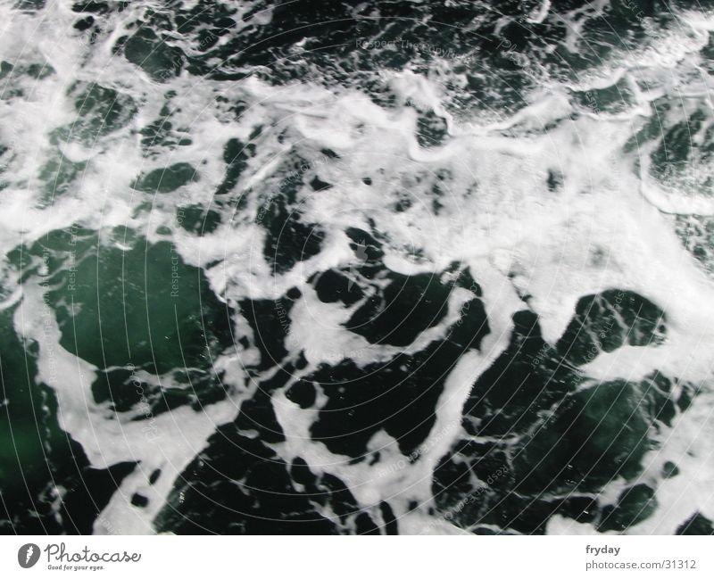 kalte Ostsee Wasser Schaum