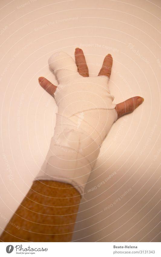 Vorsicht beim Umgang mit Feuerwerk ... Gesundheit Krankenpflege Silvester u. Neujahr Hand Finger Verband Zeichen bedrohlich Schmerz Ärger Gesundheitswesen