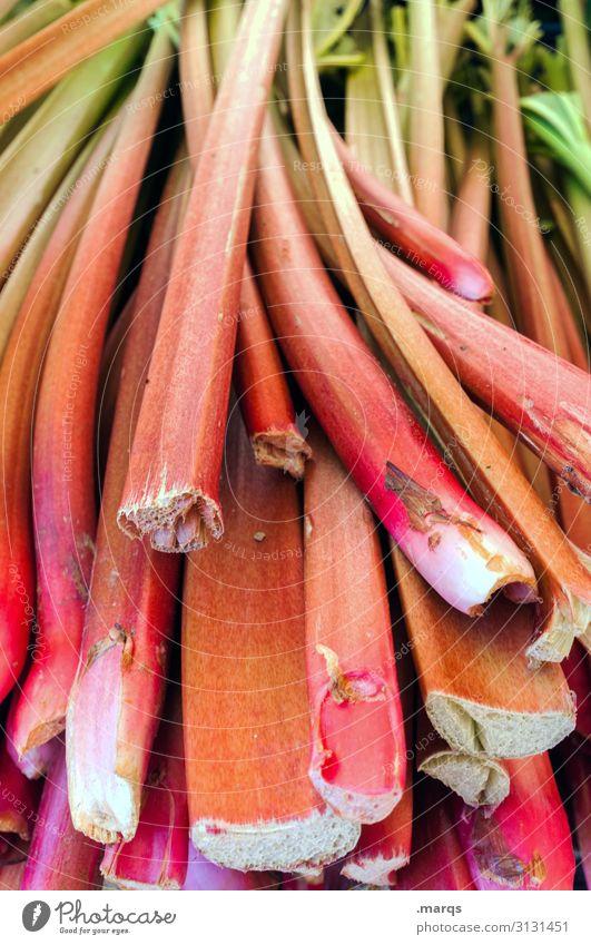 Rhabarbara Lebensmittel Gemüse Rhabarber Ernährung Bioprodukte Vegetarische Ernährung Lifestyle Gesundheit Wochenmarkt Markt frisch Farbfoto Außenaufnahme