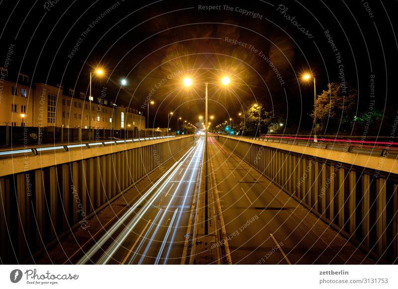 Flughafentunnel Tegel again PKW Autobahn Bewegung Dynamik Phantasie glänzend Garten Eile Kunst Licht Lichtspiel Lichtmalerei Lightshow Linie Märchen Natur