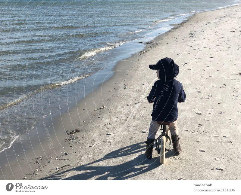Kleiner Junge mit Fahrrad am Strand mit Blick aufs Meer harmonisch Wohlgefühl Zufriedenheit Ferien & Urlaub & Reisen Tourismus Ausflug Ferne Freiheit Expedition