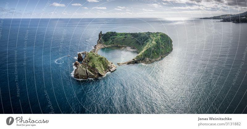 Kleine Insel von Vila Franca do Campo bei Sao Miguel Ferien & Urlaub & Reisen Tourismus Ausflug Ferne Freiheit Sightseeing Sommer Sommerurlaub Sonne Wellen