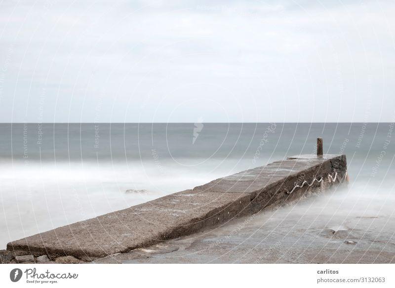 Die Zeit friert ein Meer Wellen Steg Mittelmeer Mallorca Brandung Gischt
