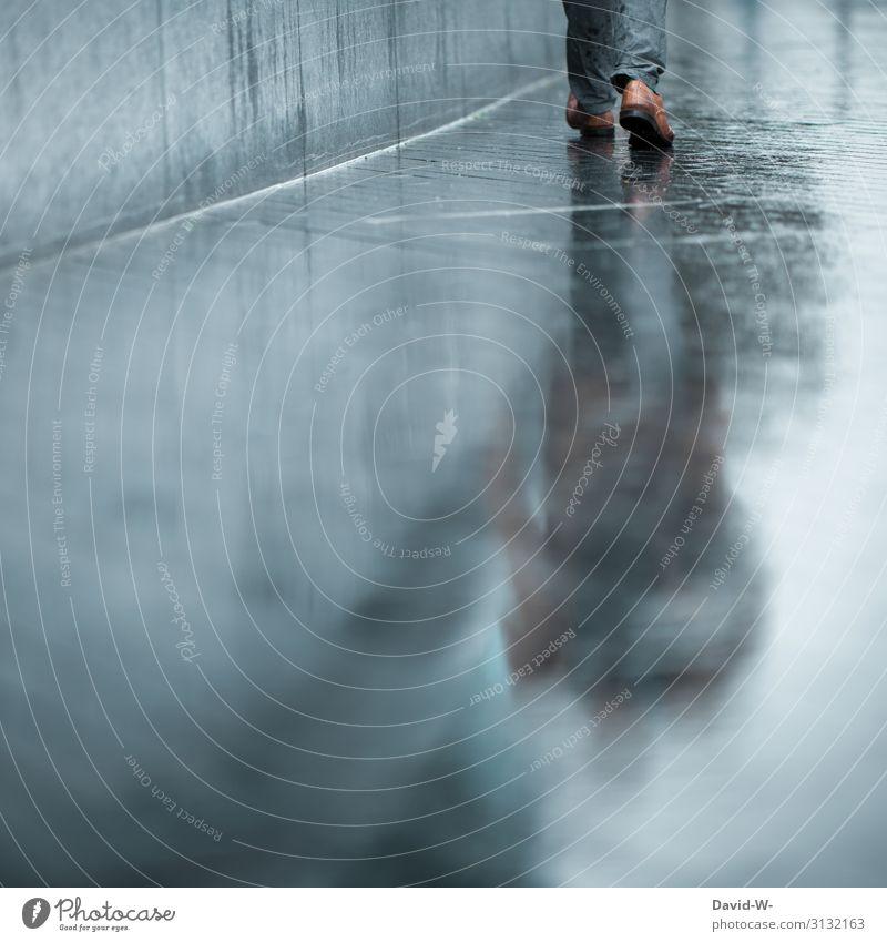 durch den Regen Lifestyle Stil Design Mensch maskulin Mann Erwachsene Leben 1 Kunst Kunstwerk Umwelt Herbst Klimawandel schlechtes Wetter Unwetter Gewitter